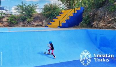 Parque Japones pista skate 2 by Cassie Pearse