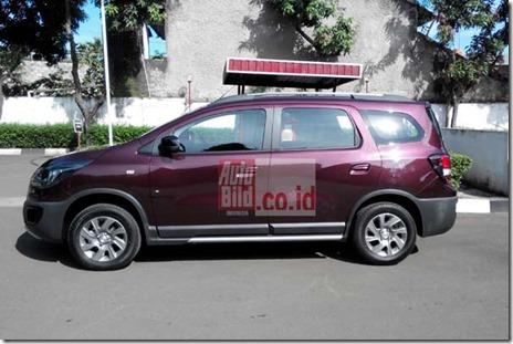 20140409_103357_Chevrolet-Spin-Terbaru-Samping