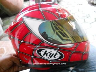Helm KYT RC7 Spiderman