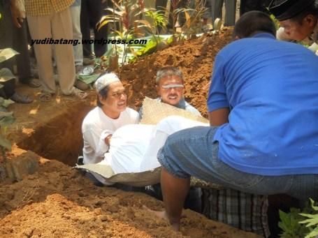 jenazah mau dikubur