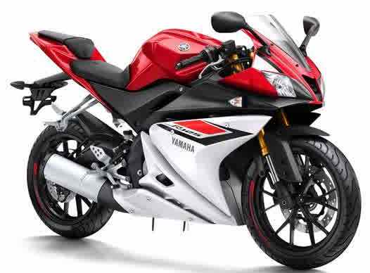 2015-Yamaha-YZF-R125-EU-Racing-Red-Studio-001