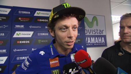 Valentino Rossi saat memberi pernyataan insiden dengan Marquez diSepang 2015