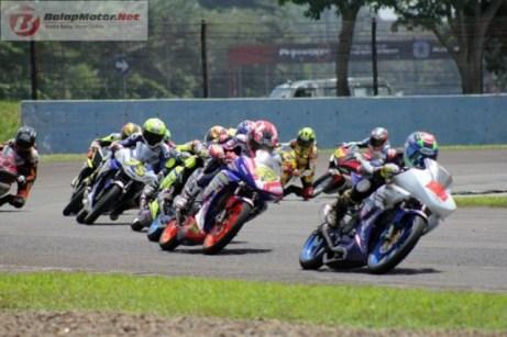 RAce-Final-Sport-150cc-Seri-1Kejurnas-IRS-2016-696x464