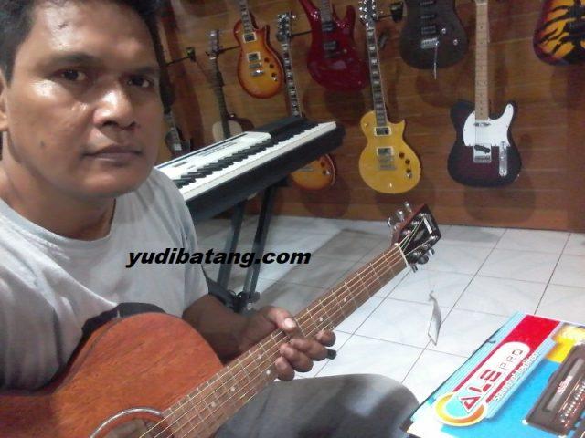 gitar akustik Cort FSX-MEM