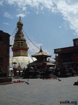 Обезьяний храм Сваянбунатх в Катманду