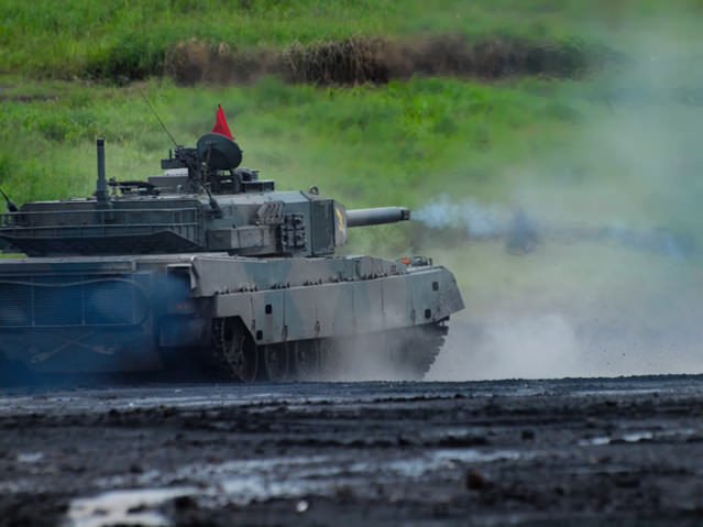 総火演の90式戦車