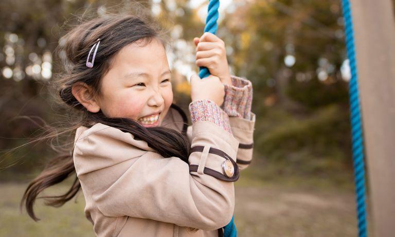 बालबच्चालाई प्राकृतिक ढंगले हुर्कन दिने कि ?