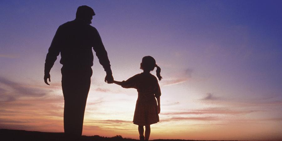 किन आमा जस्तै हुन थाले पिताहरु ?