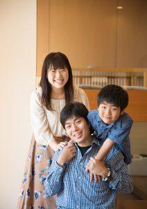 子育てHUGフェスで家族の思い出写真を撮影。プロカメラマンがご家族の今を残します!素敵なモデルハウスで撮影しませんか?イメージ画像