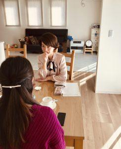 yui藤井千代美藤井奈央美によるコーチングセッションの様子