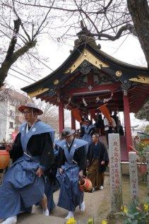 ふだんまちで出会う方たちも袴姿だと、一気に江戸時代!