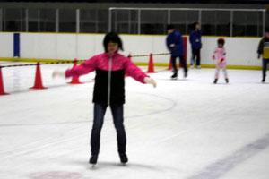 うちの娘っ子も楽しそうに滑っておりました。