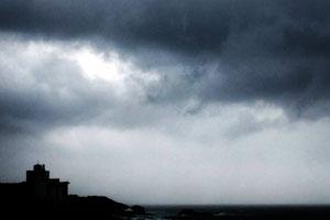 荒れる天気
