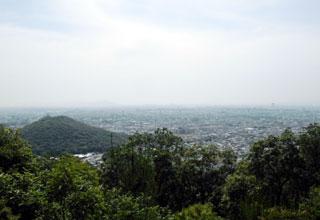 松明峠登山道の景色