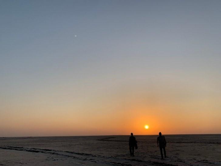 白砂漠の夕日