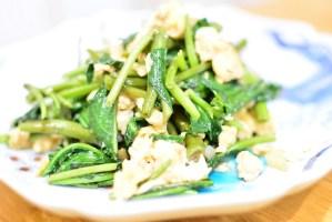 栄養満点♬すぐに作れる空心菜と卵の中華炒め★のレシピ