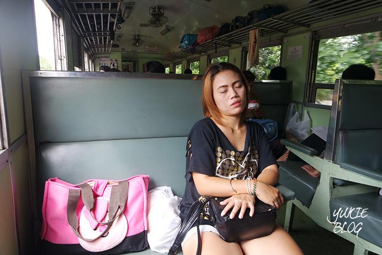 Trein naar Ayutthaya