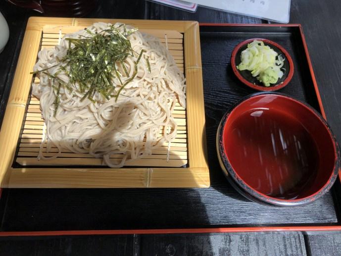 【大内宿】で犬と一緒に名物の蕎麦を食べよう!【福島】 ざるそば