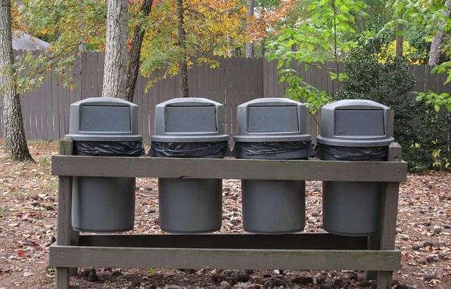最強の生ゴミ対策は冷凍保管!?色々な処理法と比較してみた
