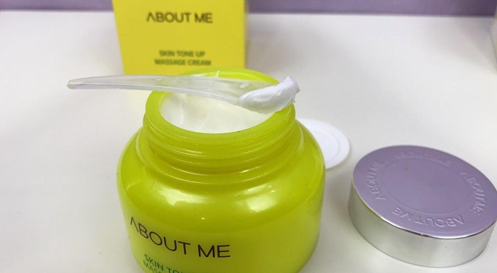 Консистенция About Me Skin Tone Up Massage Cream