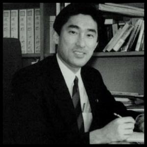 岸田文雄の学歴|出身大学高校や中学校の偏差値と東京大学志望だった | 芸能人の学歴や有名人の高校・大学情報は芸能人有名人学歴偏差値.com