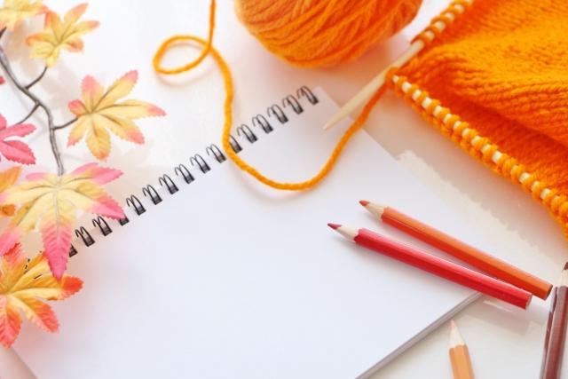 色鉛筆の暖色を多く使う