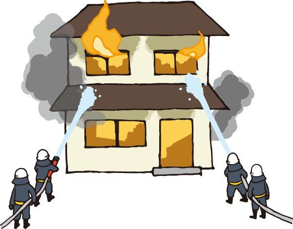 消防士が火を消している