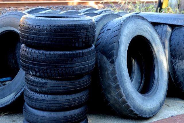 タイヤを捨てる