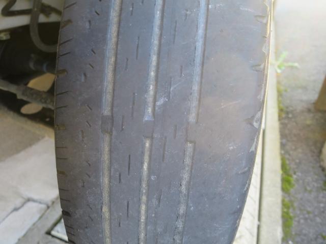タイヤがすり減る