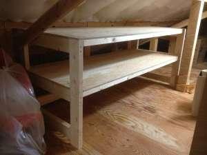 屋根裏収納の棚 完成
