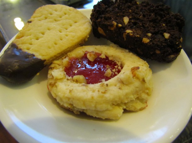 Sampler dessert – brownie, shortbread, chocolate biscotti