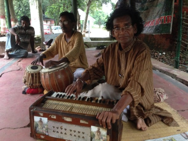 We enjoyed our eveningwith fabulous baul songs - went to a place where bauls gather in the evening