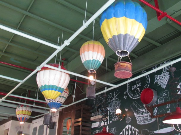 hot air balloon shaped lamp shades!!!!