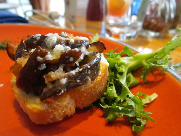 Bruschetta with egg plant