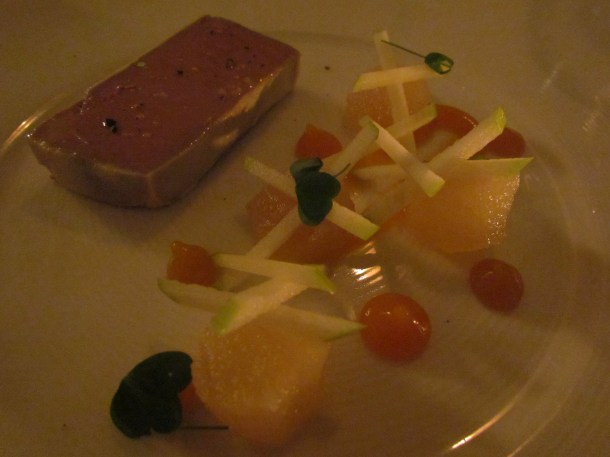 Peach puree (droplets), vanilla pear with chicken liver parfait
