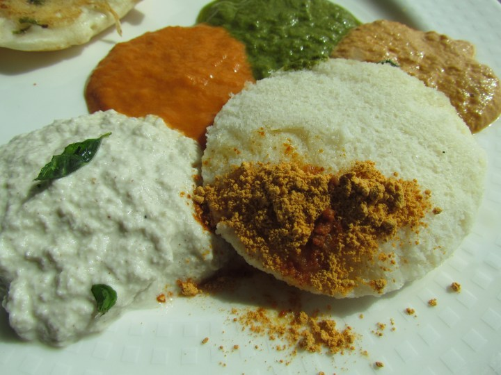 idli with 4 kinds of chutneys