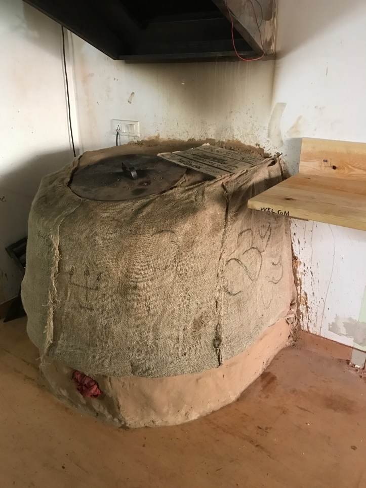 traditional oven in which the breads r baked