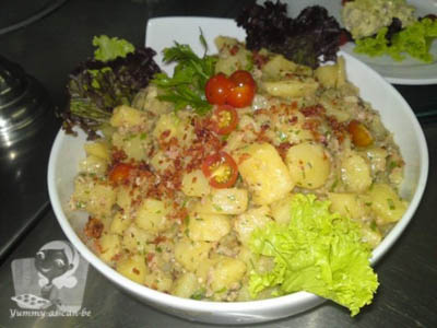 Warm bacon potato salad1
