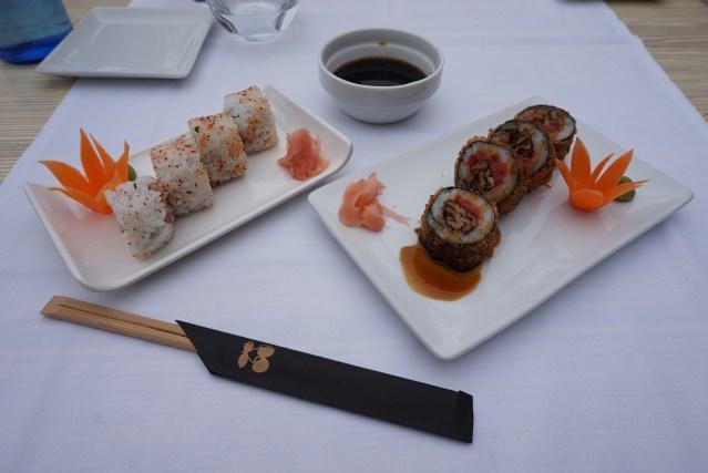 restaurante pacha barcelona spicy tuna y foie rolls