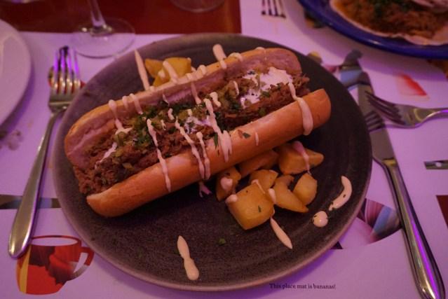 restaurante bananas Estofa-Dog