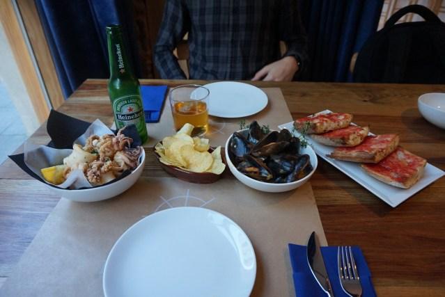 carta y platos de el catala restaurante