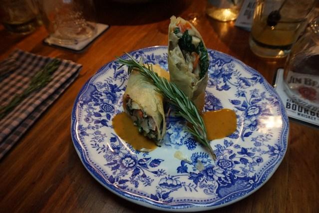 Rollitos de setas y queso Raclette en Picnic Restaurant