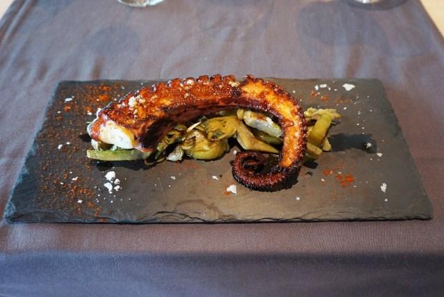 restaurant el centre Alcachofas salteadas con pulpo gallego
