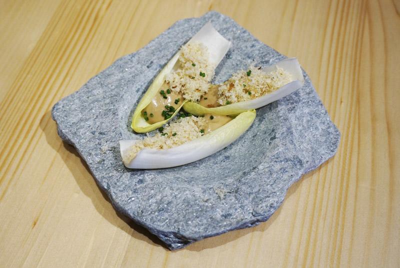 Restaurante Tomás Pala de Torroella Endivias con crema de anchoas y nueces