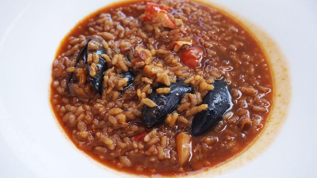 La Barca de Ca L'Ardet arroz caldoso de bogavante