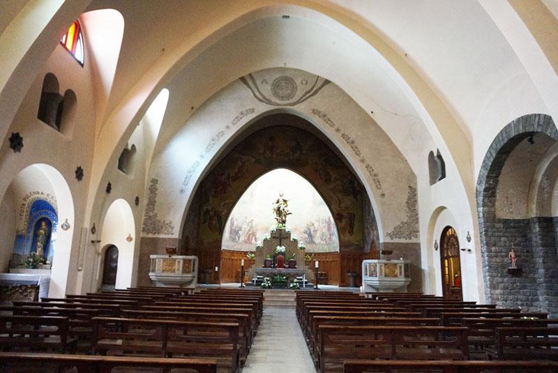 Interior de la iglesia de Ribes de Freser