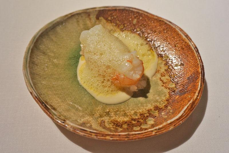 Cigala con artemisa, aceite de vainilla y mantequilla tostada. Menú Degustación Festival 2018 de El Celler de Can Roca.
