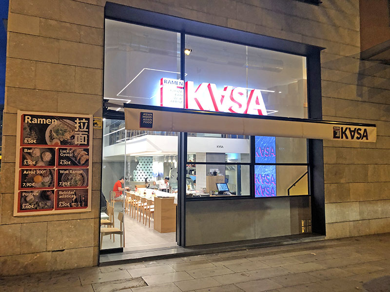 Restaurante Kasa Ramen, Ronda Universitat 4
