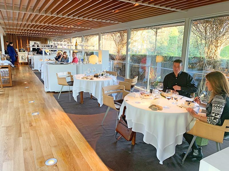 Nuestra mesa durante del almuerzo de nuestro menú degustación 2020 en El Celler de Can Roca.