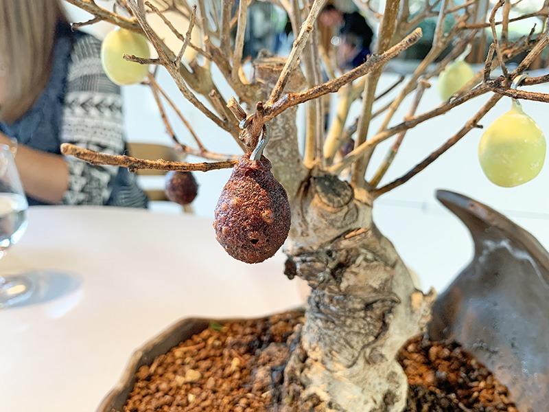 El Celler de Can Roca aperitivos 2020 Tempura de oliva negra